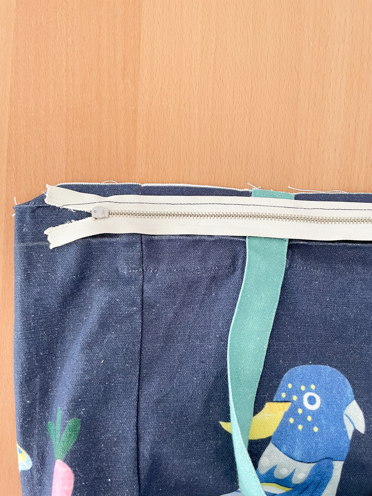 How to Add a Zip to a Tote Bag | Step 4, sew zip. Megan Nielsen Patterns Blog