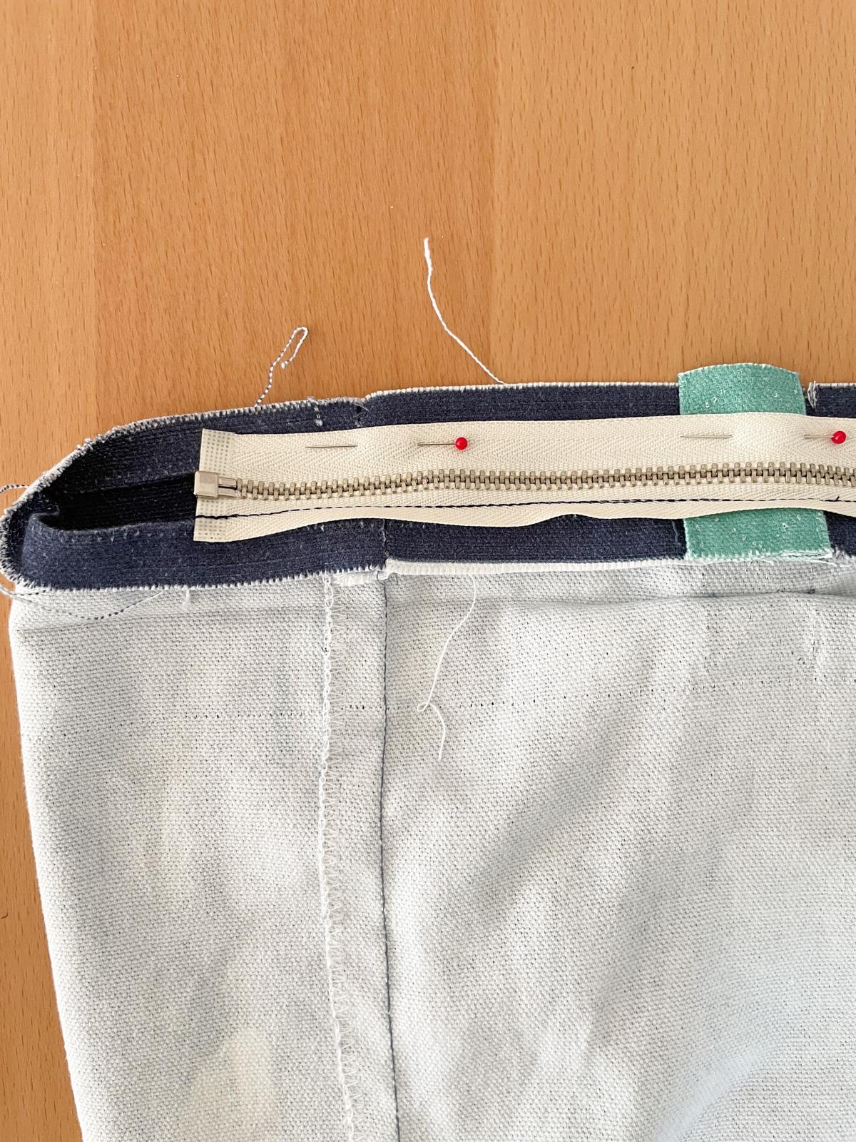 How to Add a Zip to a Tote Bag | Step 6, pin zip to remaining side. Megan Nielsen Patterns Blog