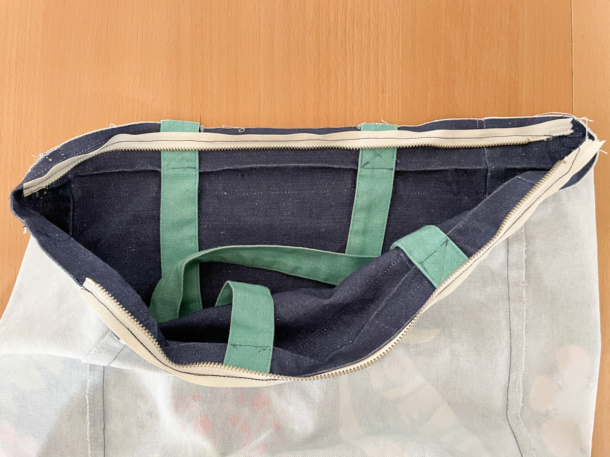 How to Add a Zip to a Tote Bag | Step 8, Unzip bag. Megan Nielsen Patterns Blog