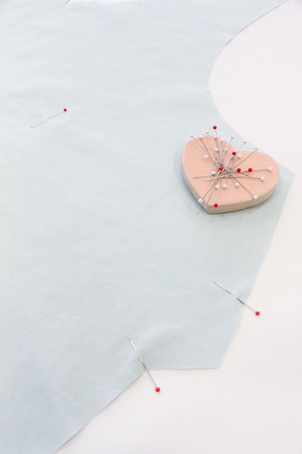 Megan Nielsen Patterns - Reef Sewalong - Marking Your Darts With Pins