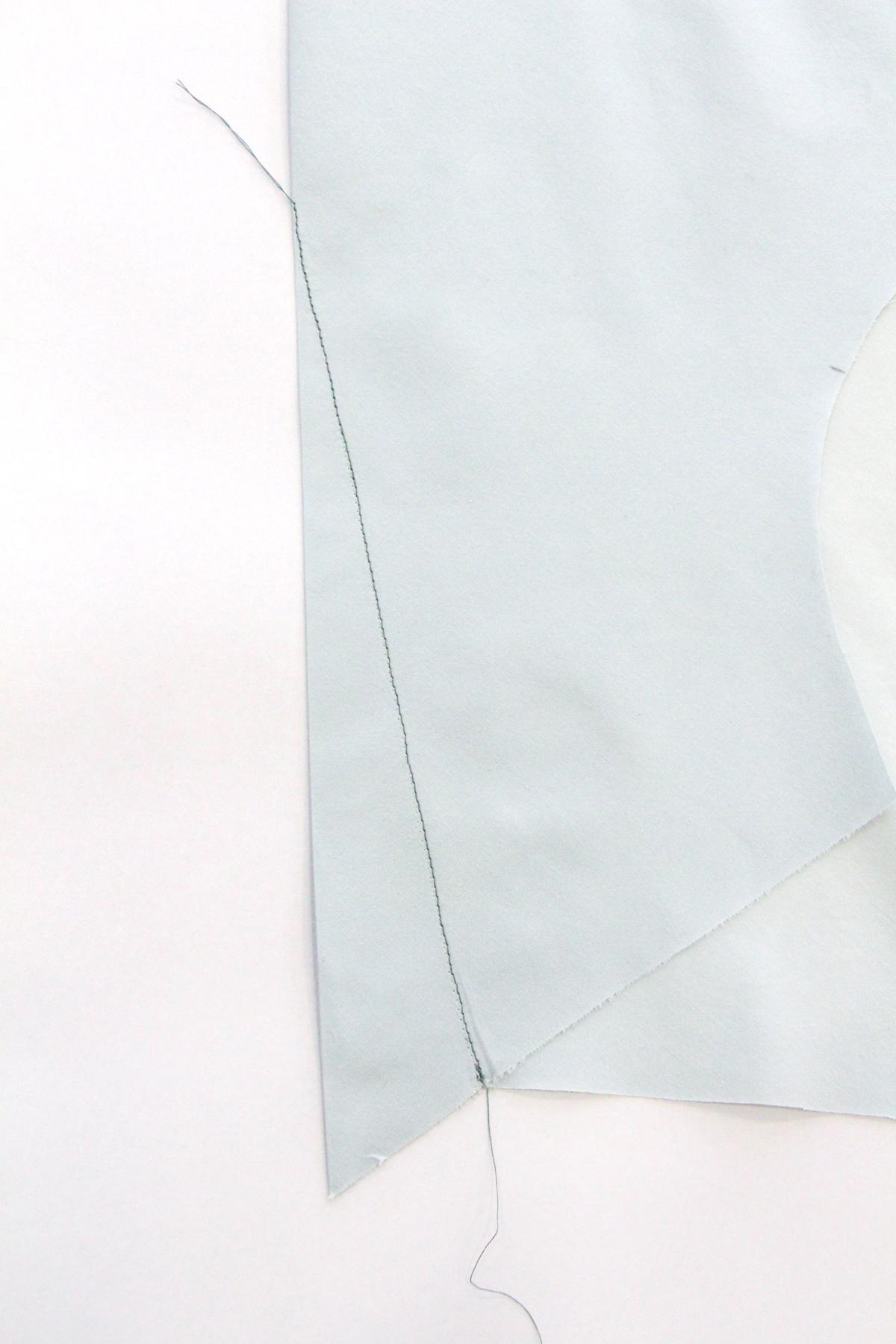 Megan Nielsen Patterns - Reef Sewalong - Sewing Your Darts