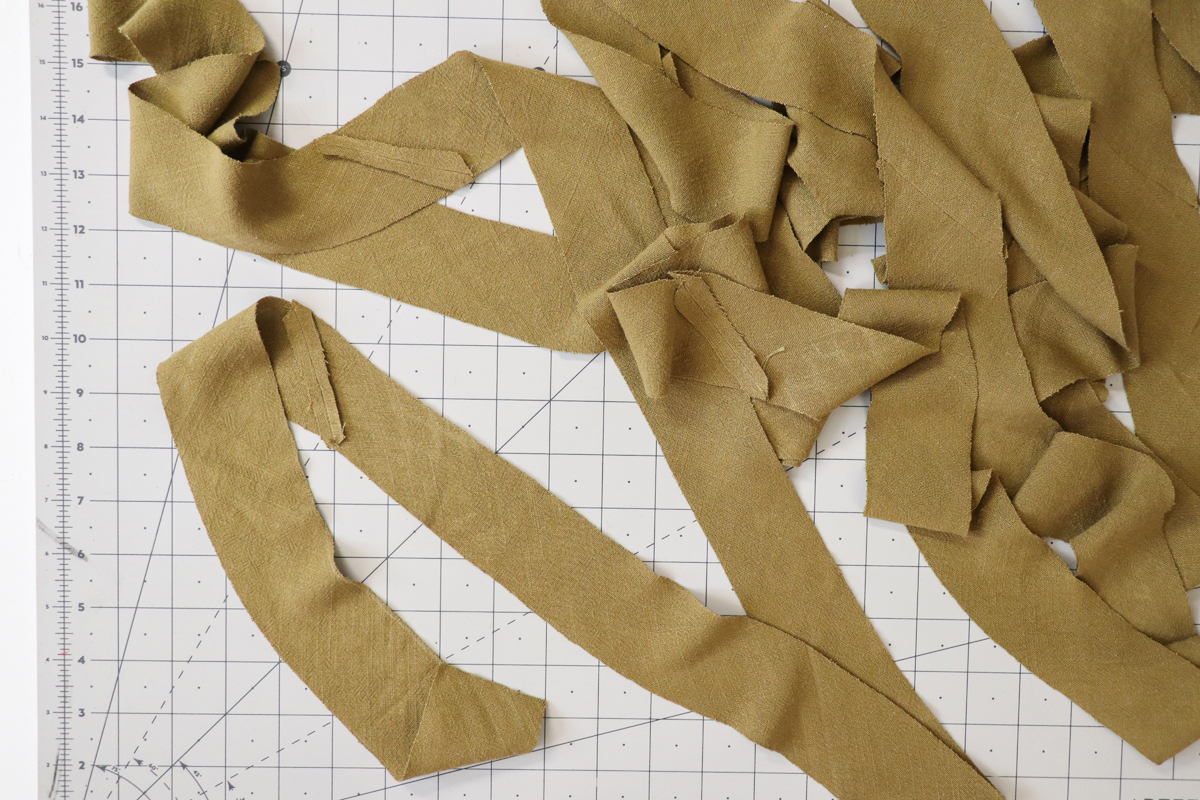 how to make bias binding for the Hovea sewing pattern by Megan Nielsen Patterns