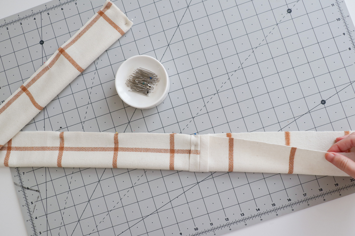 how to sew the belt and beltloops for the Hovea sewing pattern by Megan Nielsen Patterns