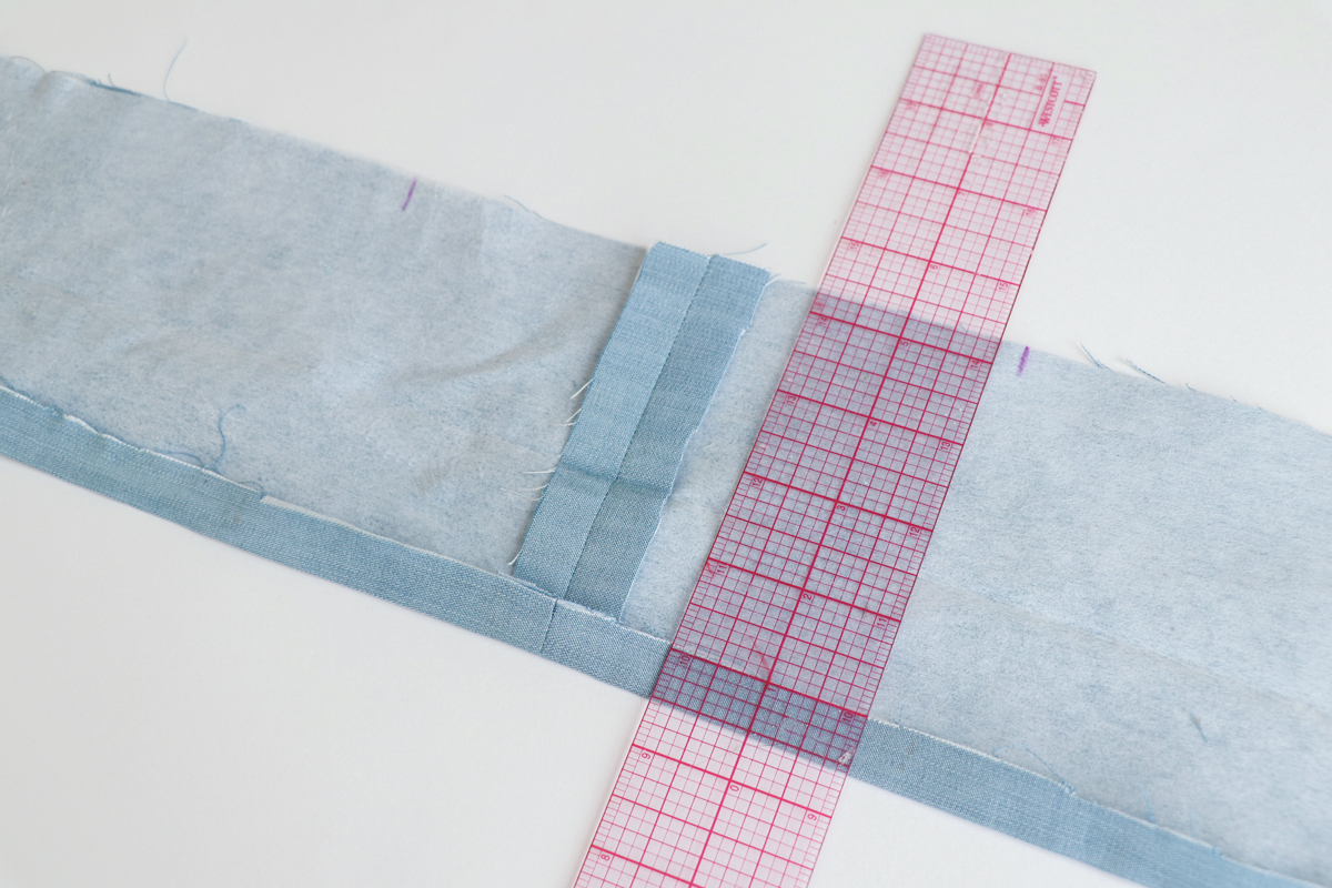 How to sew the collar band on views ACE of the Hovea sewing pattern by Megan Nielsen Patterns